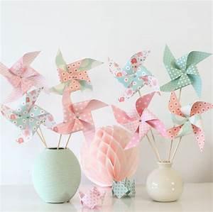 8 moulins a vent dans les tons roses et vert d39eau pour With déco chambre bébé pas cher avec bague argent fleur