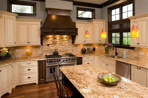 travertine backsplash ideas  nostalgic kitchen designs