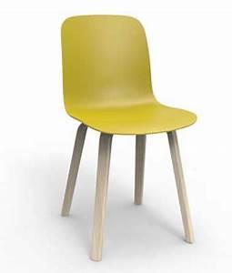 Chaise Bois Design : jolie chaise design en bois couleur anis ~ Teatrodelosmanantiales.com Idées de Décoration