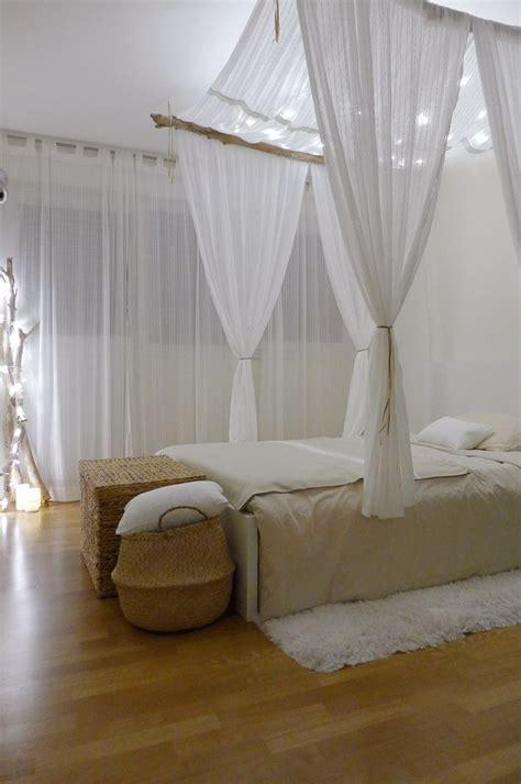 voilage chambre chambre façon cabane chic avec lit perroquet lit à