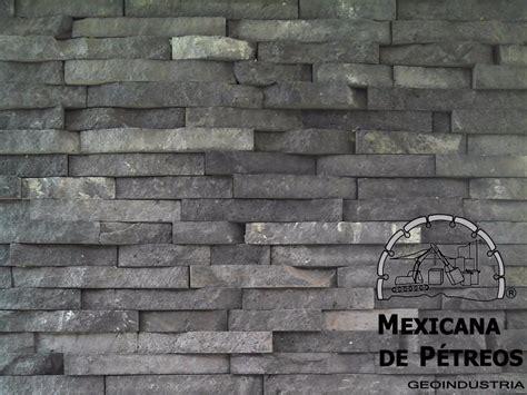 recinto volcanico negro  de piedra  fachadas