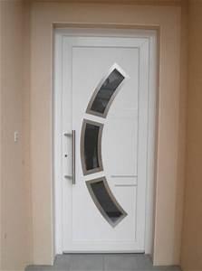 Porte d39entree pvc vitree a thionville moselle weigerding for Porte d entrée pvc en utilisant porte entree pvc couleur bois
