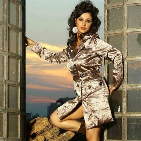 adaa khan hot photos in sexy images and pictures