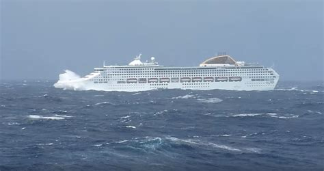This Is What A Cruise Ship Sailing In Bad Weather Looks Like