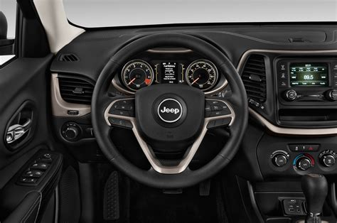 jeep cherokee sport interior 2016 2014 jeep cherokee reviews and rating motor trend