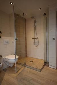 Fliesen Holzoptik Badezimmer : bad mit holzoptik fliesen landhausstil badezimmer k ln von peter wiel gmbh ~ Eleganceandgraceweddings.com Haus und Dekorationen