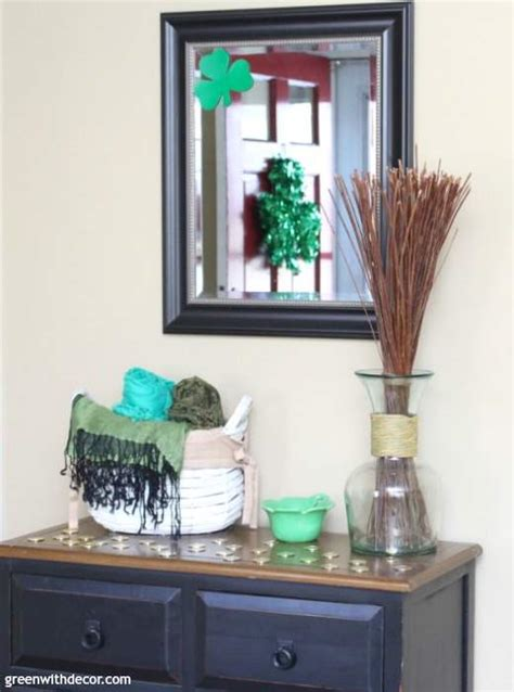 favorite foyer decorating tips   place green
