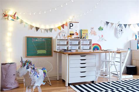 ein kunterbuntes kinderzimmer mit ecken fuer alle kinder