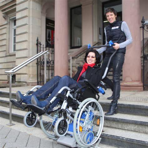 prise en charge fauteuil roulant 28 images prise en charge d un fauteuil roulant petits fils