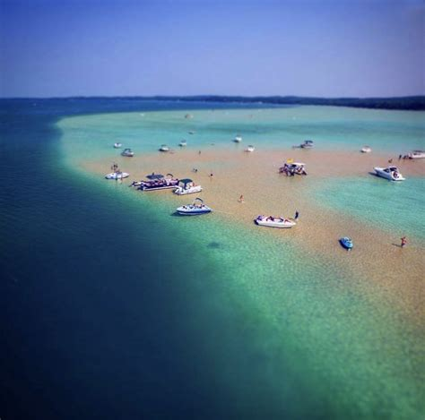 Torch lake township is a civil township of houghton county in the u.s. Michigan's Torch Lake Looks Exactly Like The Caribbean Sea ...