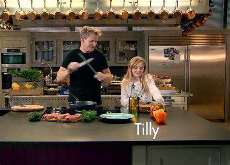 cuisine de gordon ramsay gordon ramsay sa fille de 12 ans obtient sa propre