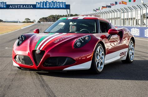 Alfa Romeo 4c Us by Alfa Romeo 4c Debuts In Us With Spider Headlights