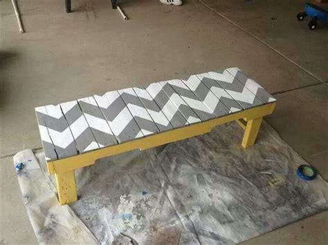 10 Simple Diy Pallet Bench Designs