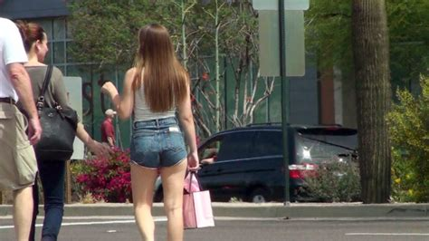 Short Shorts Candids
