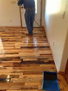 DIY Pallet Wood Flooring - DIY Craft Projects