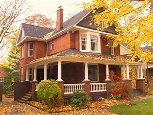 Toronto beach home for sale, circa 1908, has original