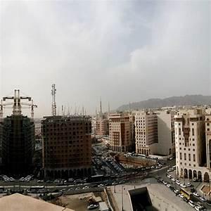 Suicide bomber targetting U.S. consulate in Saudi Arabia ...