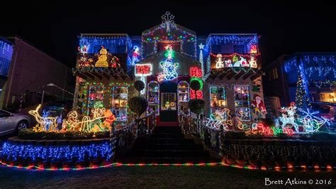 where to find macarthur s best christmas lights camden