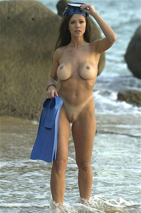 Nude Scuba Nudeshots