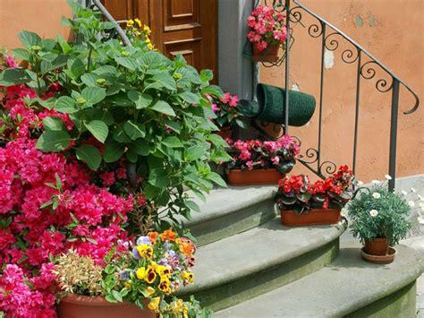 Garden Decoration Flowers by Garden Decoration Ideas The Garden Or Porch With Flowers