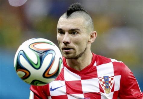21 Best Soccer Haircuts in 2018   Men's Stylists