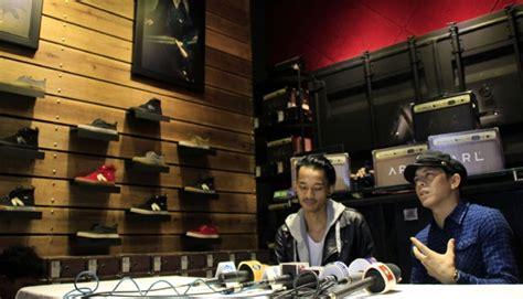 Ariel Noah Buka Toko Sepatu Di Bandung Sepatu Hiking Conae Heels Murah Berkualitas Gambar Wanita Toko Di Bandung Details Hak Tinggi Untuk Pesta Besar Hits