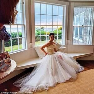 Jfk39s granddaughter tatiana schlossberg marries on weekend for Tatiana schlossberg wedding dress