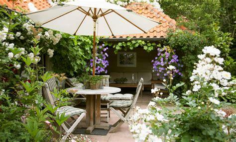 come arredare il giardino come arredare il giardino idee e consigli leitv
