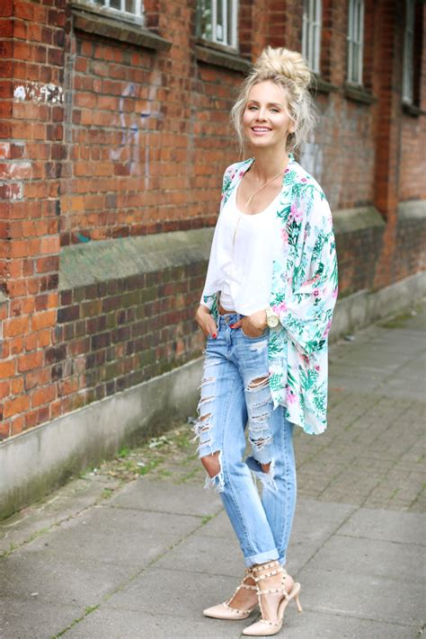OUTFIT Tropical Kimono Ripped Jeans u0026 Top Knot   Feel Wunderbar