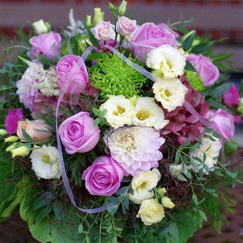 traumhafte blumenstraeusse von beste floristik blumen