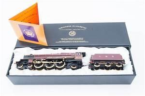 A Hornby 00 Gauge R2215  U2018princess Elizabeth U2019 Queen
