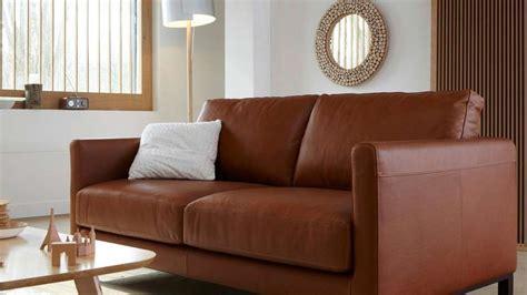 canapé beige ikea quelles couleurs associer avec un canapé en cuir brun