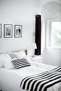 19 traditional black and white bedroom that inspire digsdigs for Simple black and white bedroom ideas