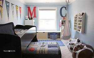 Boring to bold boys sports themed bedroom repeat crafter me for 5 years old boy bedroom ideas