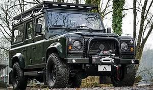 Land Rover Defender 110 Station Wagon by Arkonik | JUNCTURE