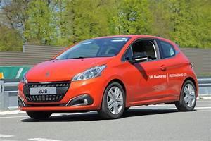 Consommation Peugeot 208 : un nouveau record de consommation pour la peugeot 208 ~ Maxctalentgroup.com Avis de Voitures