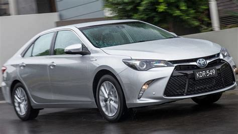 Camry hybrid offers a cleaner drive without sacrificing power or style. Toyota Camry Hybrid 2016 review: long term | CarsGuide