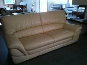 nettoyage canape en cuir 28 images nettoyage et With tapis persan avec entretenir un canapé en cuir blanc