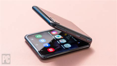 Buy the best and latest samsung flip phone 2020 on banggood.com offer the quality samsung flip 1 444 руб. Samsung Galaxy Z Flip - Review 2020 - PCMag Australia