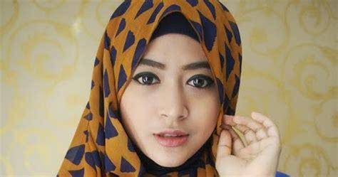 tutorial hijab pashmina kuliah ala natasha farani