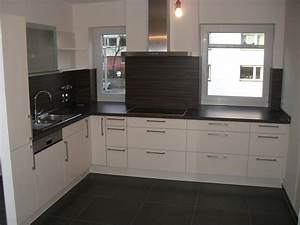 Arbeitsplatte Holz Küche : grau anthrazit farbene kuche mit arbeitsplatte holz kueche magnolie arbeitsplatte grau ~ Sanjose-hotels-ca.com Haus und Dekorationen