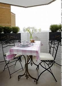 19 balkon ideen mit blumenkasten die gelander dekorieren With französischer balkon mit die sims 3 design garten accessoires