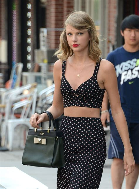 Taylor Swift Casual Style - Out in New York City - July ...