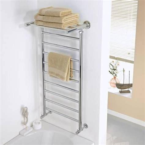 serviette de cuisine 17 meilleures idées à propos de sèche serviettes sur salle de bains de spa salle de
