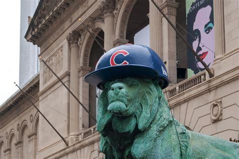 buildings   cubs fans  chicago architecture