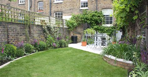 24+ Pleasing Long Narrow Backyard Landscaping Ideas