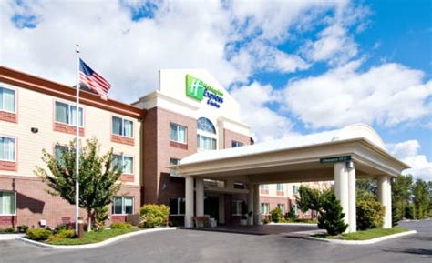 holiday inn express suites medford central point
