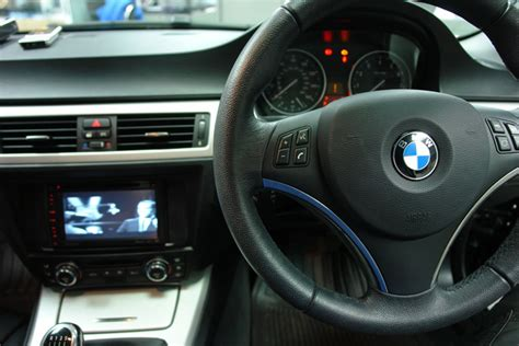 bmw e90 navi a perfectly retro fitted navigation in a bmw 3 e90 91 92