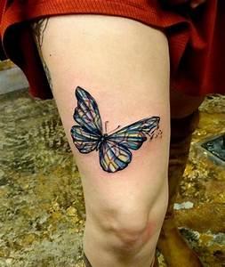 Kleiner Schmetterling Tattoo : netter farbiger kleiner schmetterling tattoo am oberschenkel ~ Frokenaadalensverden.com Haus und Dekorationen