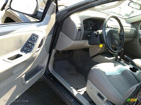 jeep grand cherokee laredo  interior color